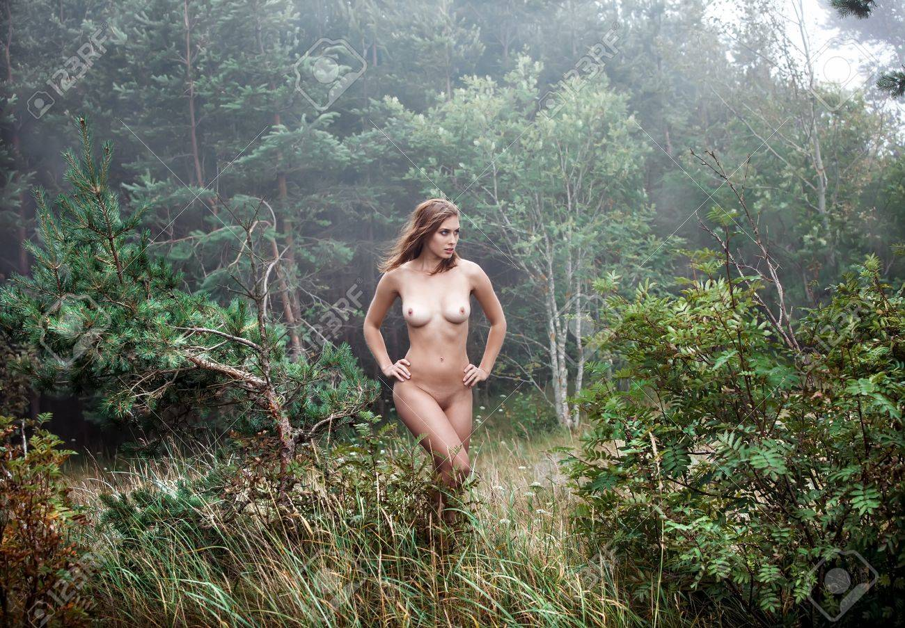 Forest nudist